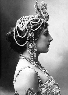 l 051 b Mata-Hari_1910