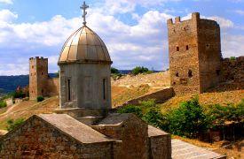 004 THE_GENOESE_FORTRESS_IN_CAFFA en kerk Saint John the Baptist church and Genoese fortress in Feodosia